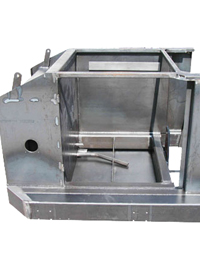 Strong steel construction with integrated hydraulic tank